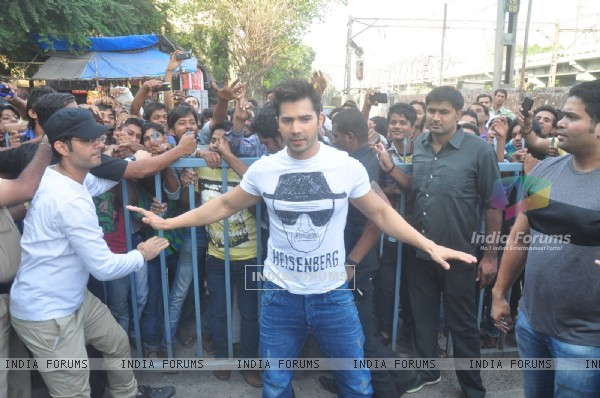 Varun Dhawan Promotes Badlapur at Gaiety Galaxy Cinema
