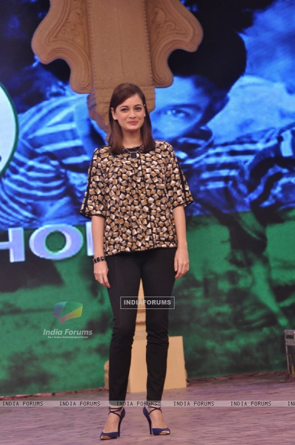 Dia Mirza poses for the media at NDTV Cleanathon Hosted by Amitabh Bachchan
