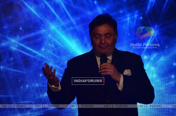 Rishi Kapoor addressing the audience at Sajid Nadiadwala's Film Launch