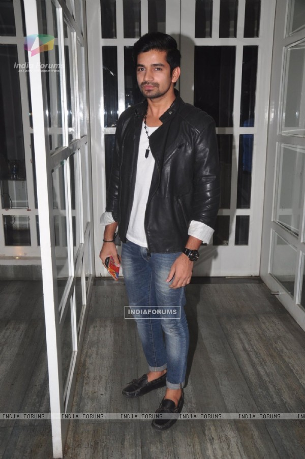 Vishal Singh poses for the media at the Launch of Munisha Khatwani's Tarot Predictions 2015 Book
