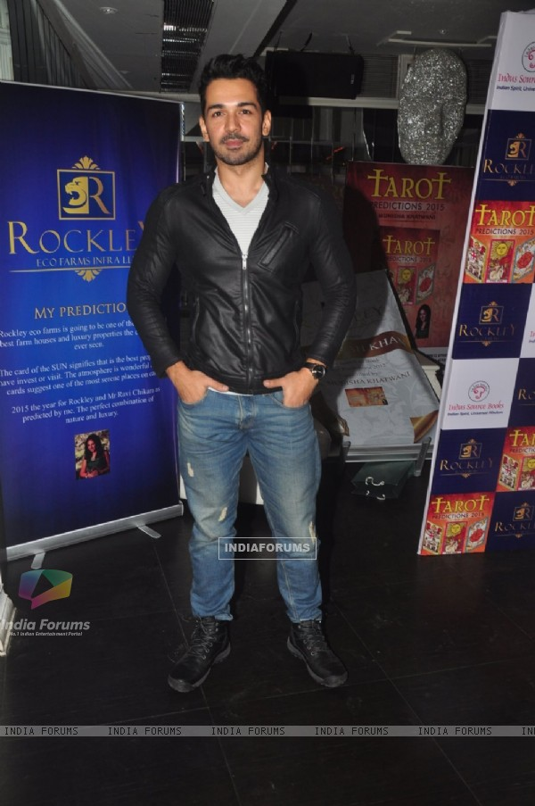 Abhinav Shukla poses for the media at the Launch of Munisha Khatwani's Tarot Predictions 2015 Book