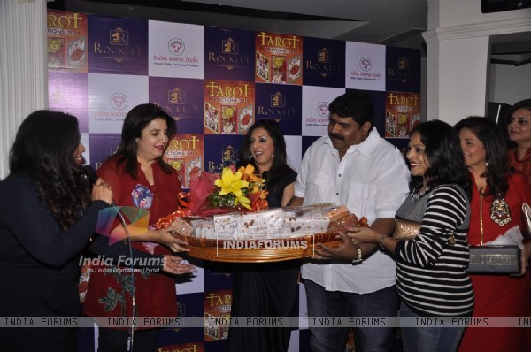 Farah Khan Felicitated at the Launch of Munisha Khatwani's Tarot Predictions 2015 Book