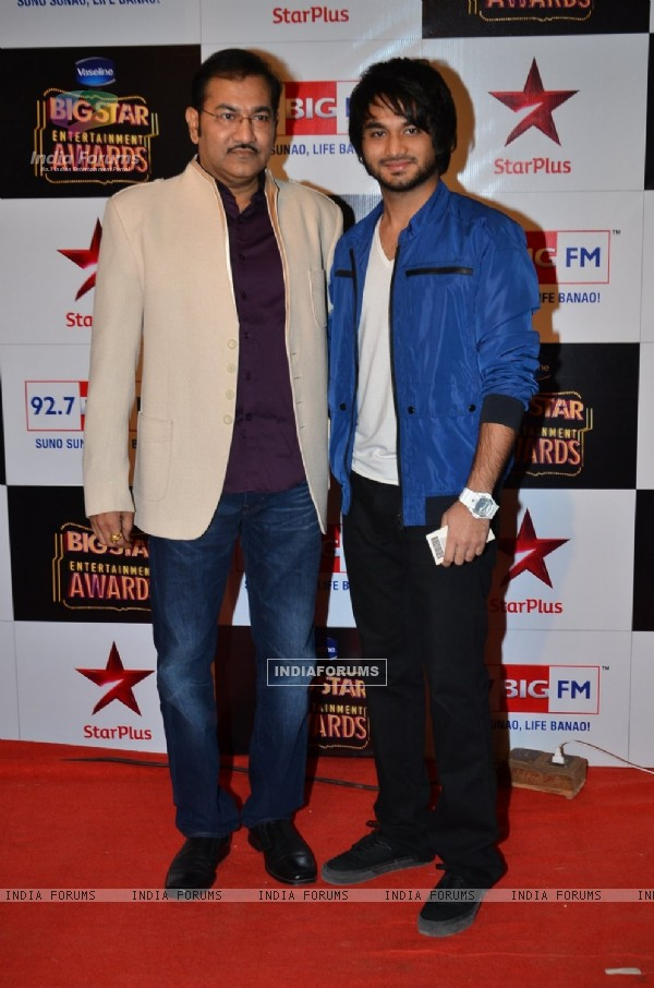 Sudesh Bhosle poses with a friend at Big Star Entertainment Awards 2014