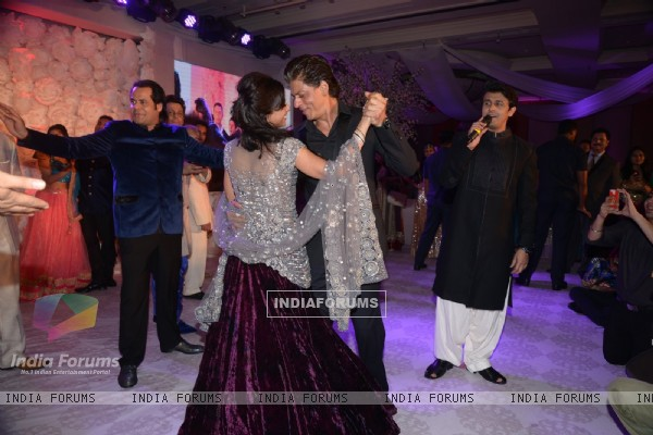 Shah Rukh Khan shakes a leg with Shirin at her Sangeet Ceremony