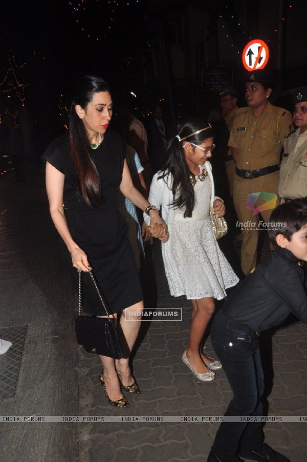 Karisma Kapoor was snapped with daughter at Christmas Bash