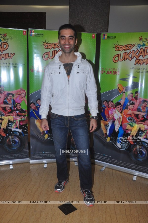 Kushal Punjabi poses for the media at the Promotions of Crazy Cukkad Family