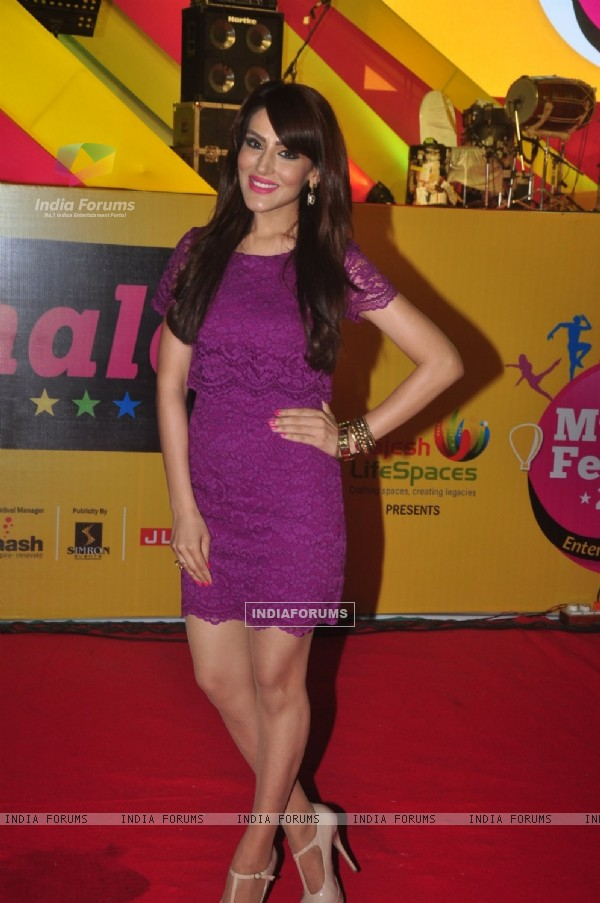 Sudeepa Singh poses for the media at Mulund Fest