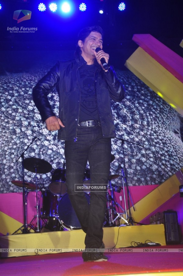 Shaan performs at Mulund Fest