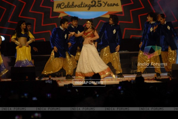 Gauahar Khan performs at Country Club for New Year's Eve