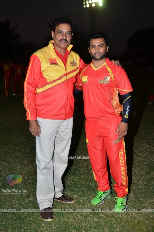Sachin Joshi poses with a friend at CCL Practice Session