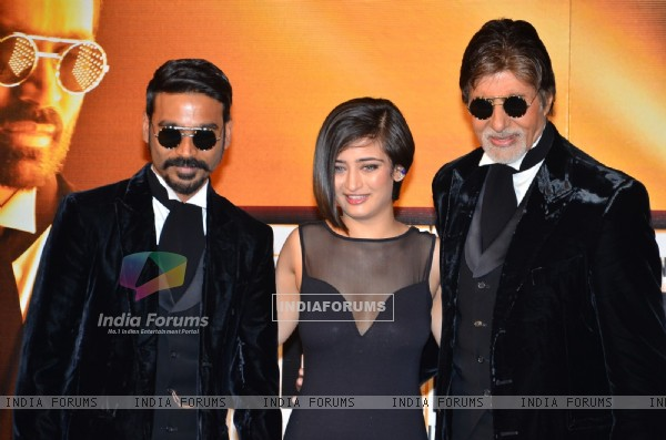 Dhanush, Akshara Haasan and Amitabh Bachchan pose for the media at the Trailer Launch of Shamitabh