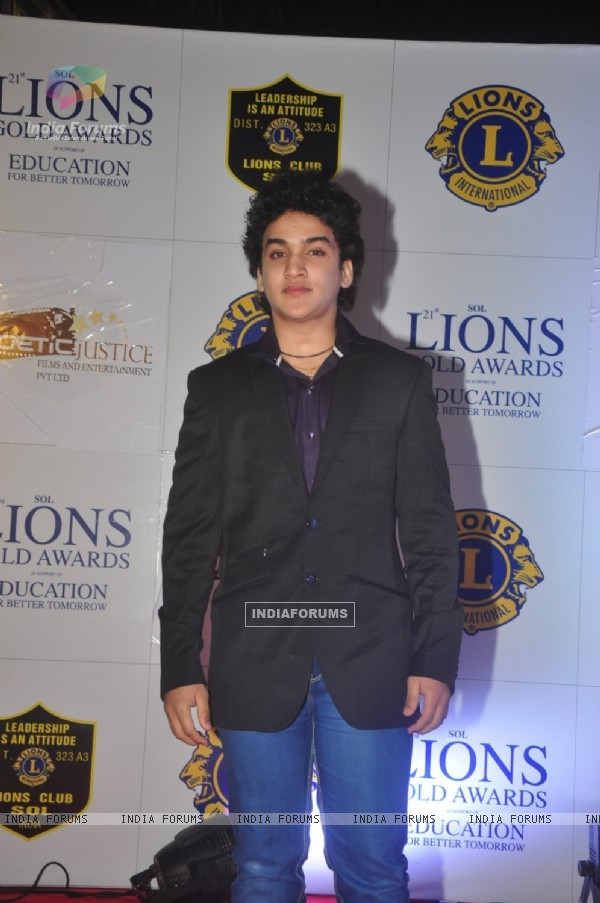 Faisal l Khan poses for the media at Lion Gold Awards