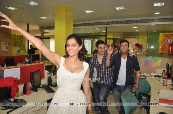 Arbaaz Khan and Sonam Kapoor shake a leg during the Promotions of Dolly Ki Doli at Radio Mirchi