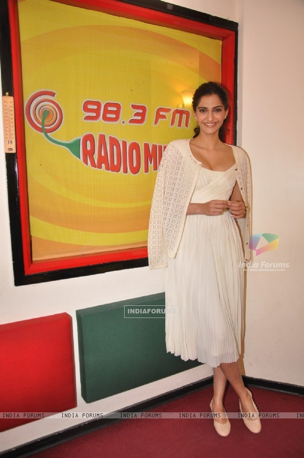 Sonam Kapoor poses for the media at the Promotions of Dolly Ki Doli at Radio Mirchi