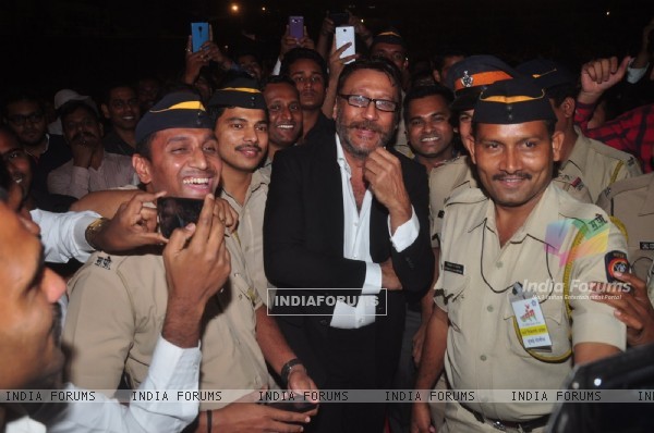 Jackie Shroff poses with Police Officials at Umang Police Show