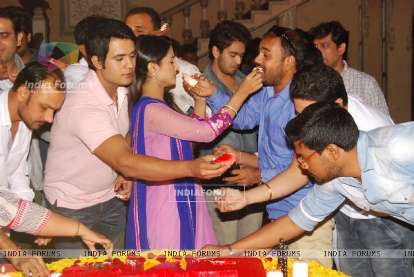 Team of Yeh Rishta Kya Kehlata Hai Celebrates the Completion of 6 Years