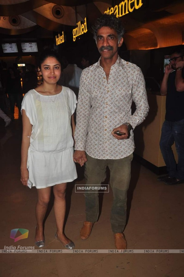 Makarand Deshpande poses with wife at My French Film Festival India 2015
