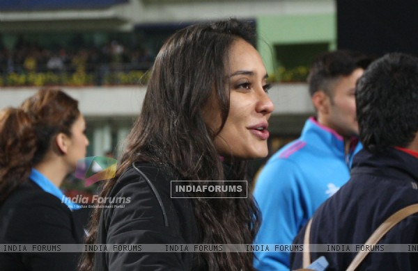 Lisa Haydon was snapped at Mumbai Heroes Vs Kerala Strikers Match