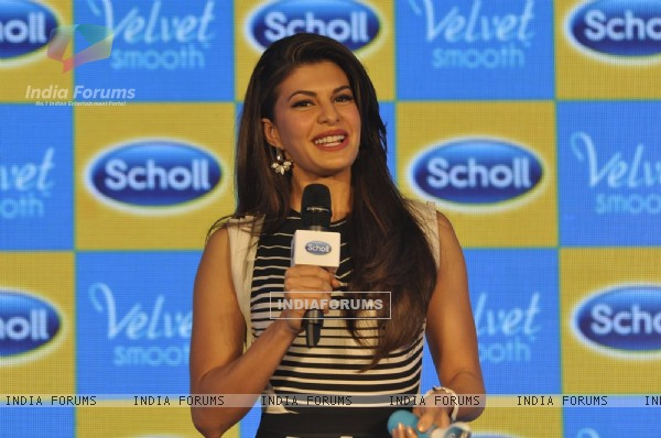Jacqueline Fernandes interacts with the audience at the Launch of Scholl Velvet Smooth Express Pedi