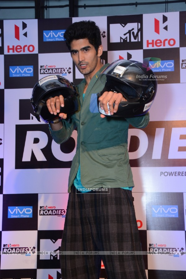 Vijendra Singh poses for the media at the Press Conference of MTV Roadies X2