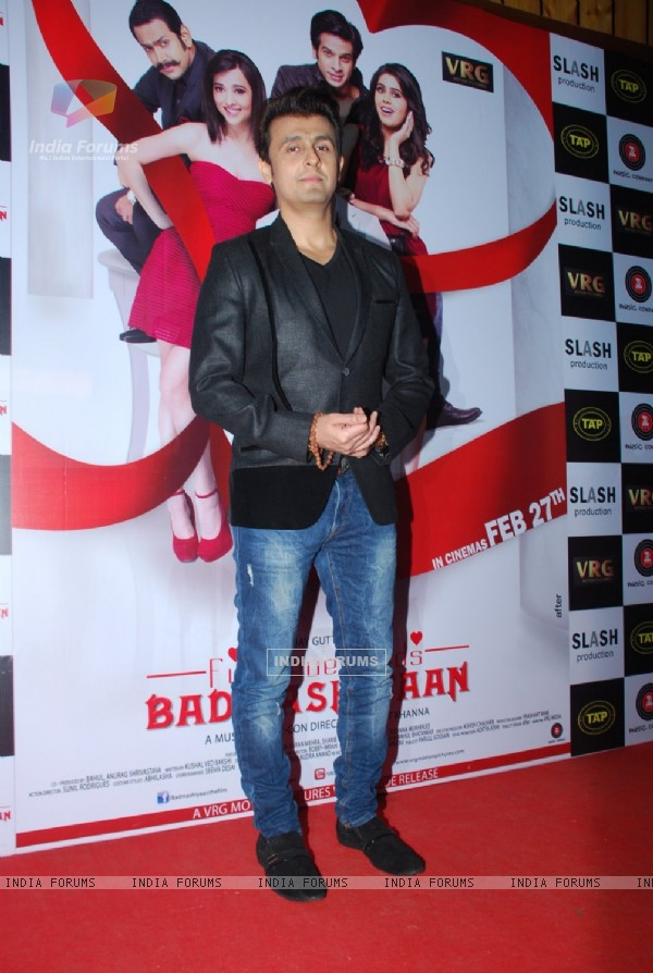 Sonu Niigam poses for the media at the Music Launch of Badmashiyaan