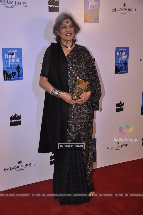 Dolly Thakore poses for the media at the Launch of Farhad Samar's Book 'Flash Point'