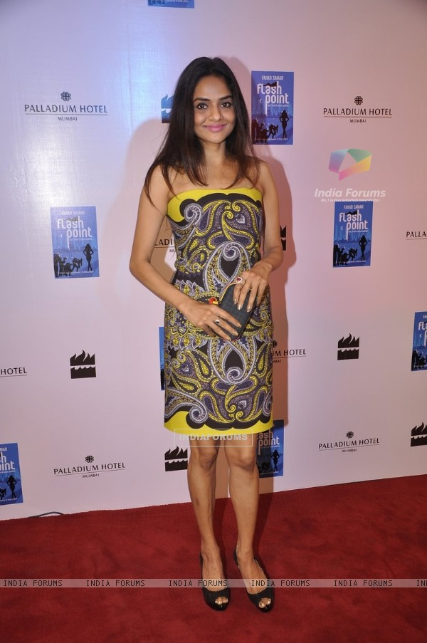 Madhoo poses for the media at the Launch of Farhad Samar's Book 'Flash Point'