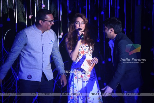 Anusha Dandekar interacts with the audience at the India Beach Fashion Week Finale