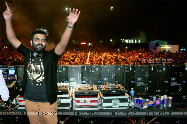 DJ Chetas was snapped performing at Alegria Fest