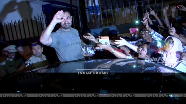 Aamir Khan waves to the audience at YFG Event
