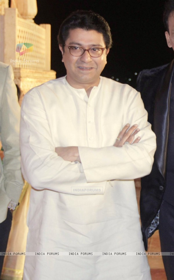 Raj Thackeray poses for the media at Manali Jagtap's Wedding Reception