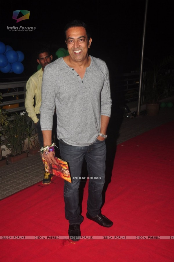 Vindoo Dara Singh poses for the media at the Premier of MSG: The Messenger of God