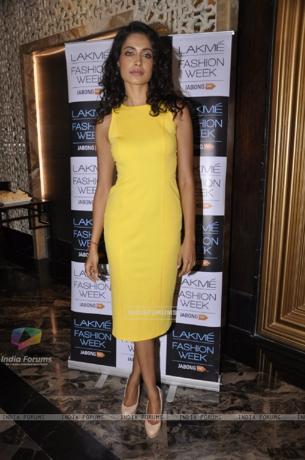 Sarah Jane Dias poses for the media at Lakme Fashion Week Auditions