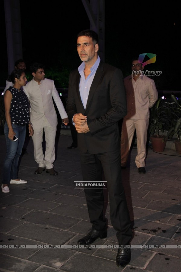 Akshay Kumar was at Smita Thackerey's Son's Wedding Reception