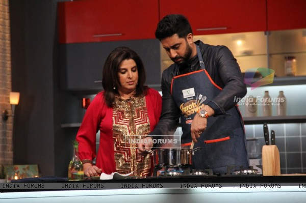Abhishek Bachchan tries his hand at cooking on Farah Ki Daawat