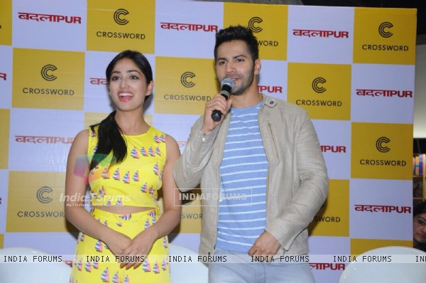 Varun Dhawan and Yami Gautam interact with the audience at the Launch