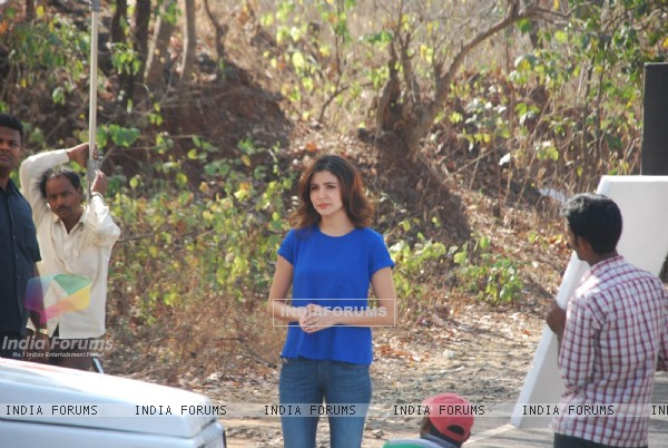 Anushka Sharma Promotes NH10 on Savdhaan India