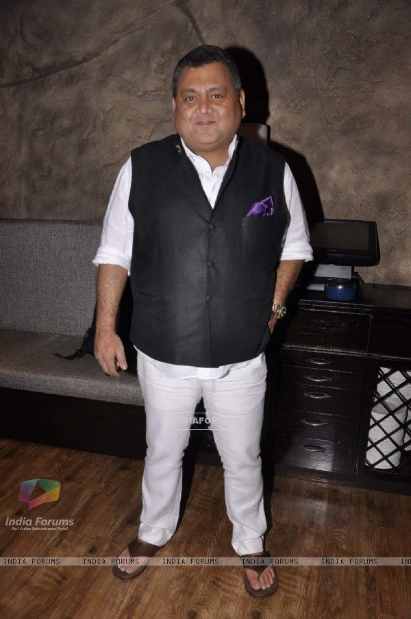 Kunal Vijaykar poses for the media at Masala Library Launch