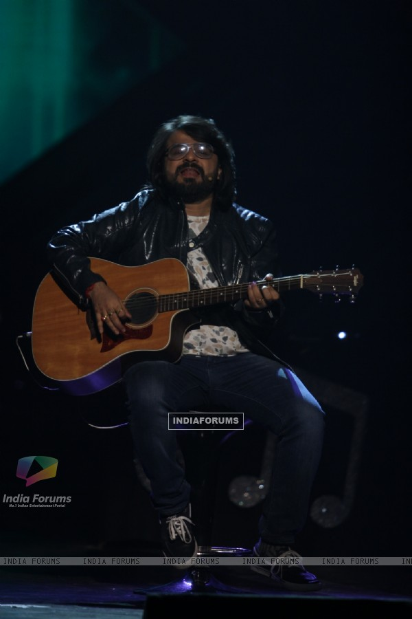 Pritam Chakraborty performs at GIMA Awards 2015