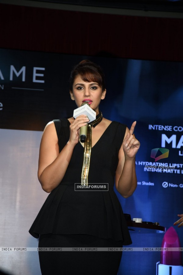 Huma Qureshi interacts with the audience at the Launch of Oriflame Matte Lipstick