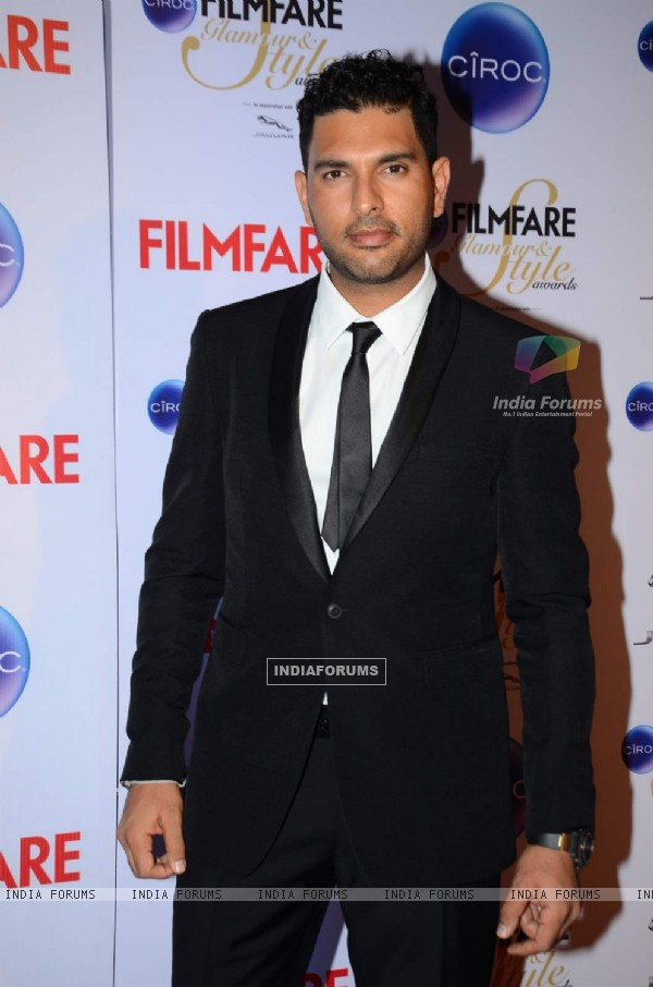 Yuvraj Singh poses for the media at Filmfare Glamour and Style Awards