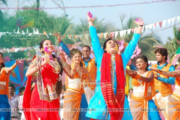 Dilip Joshi and Disha Wakani perform at Sab TV's Holi Celebration