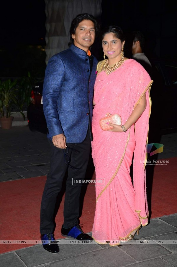 Shaan with his wife at Tulsi Kumar's Wedding Reception