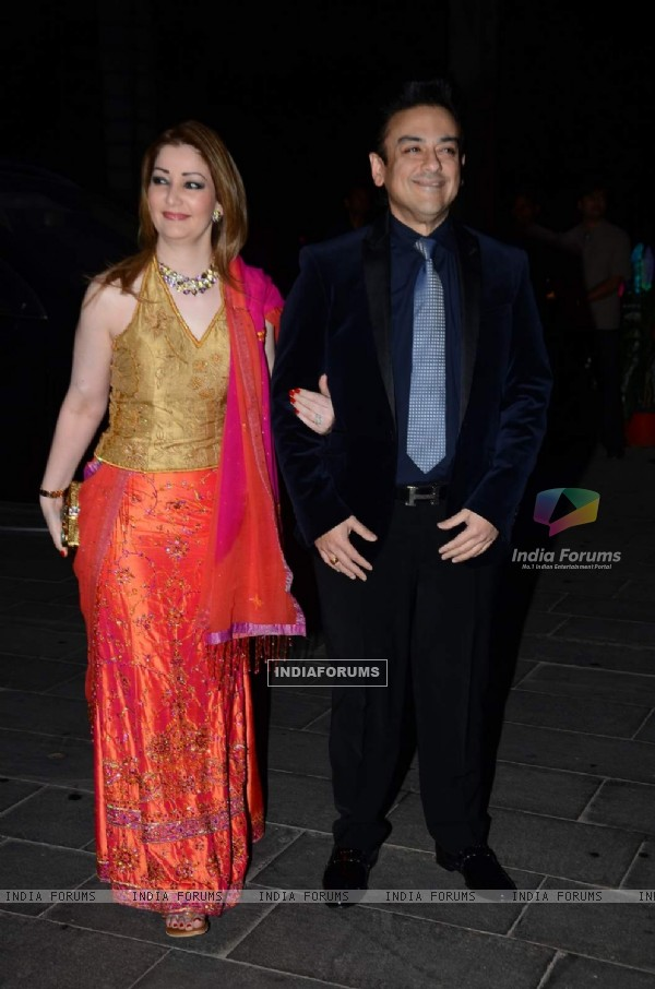 Adnan Sami  poses with Wife at Tulsi Kumar's Wedding Reception