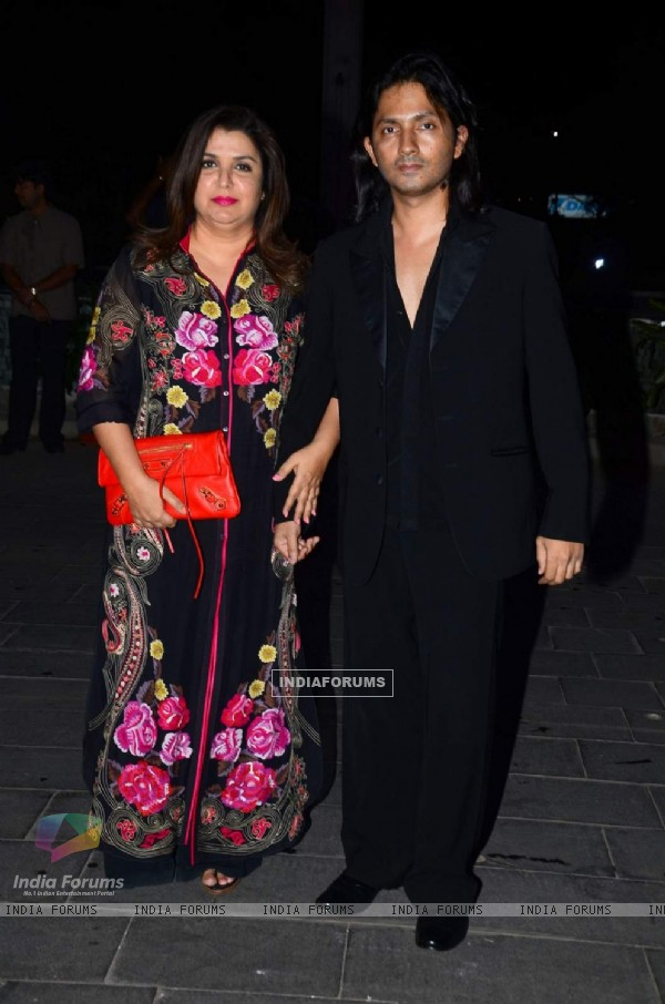 Farah Khan poses with Shirish Kunder at Tulsi Kumar's Wedding Reception