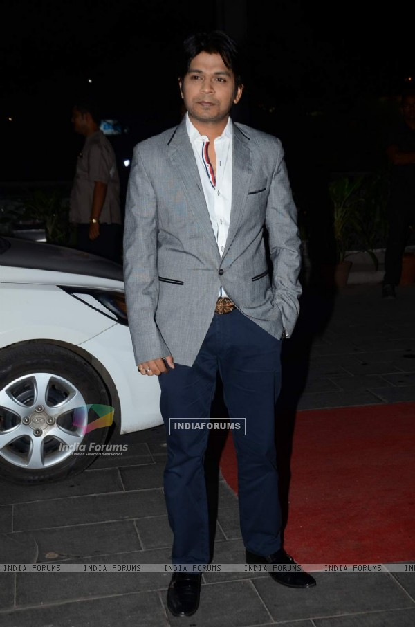 Ankit Tiwari poses for the media at Tulsi Kumar's Wedding Reception