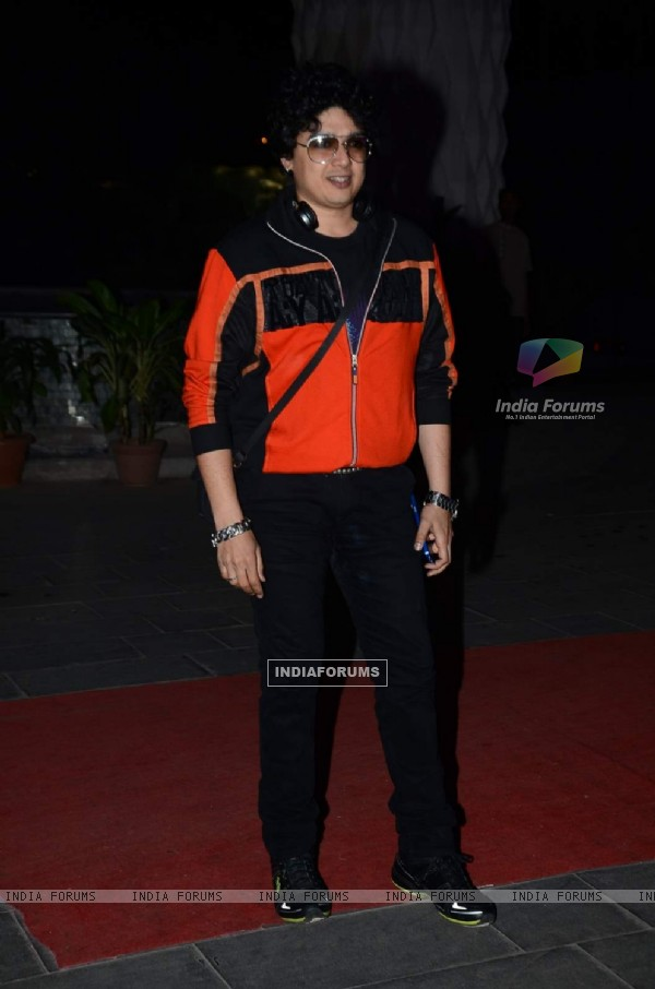 Harish Kumar poses for the media at Tulsi Kumar's Wedding Reception