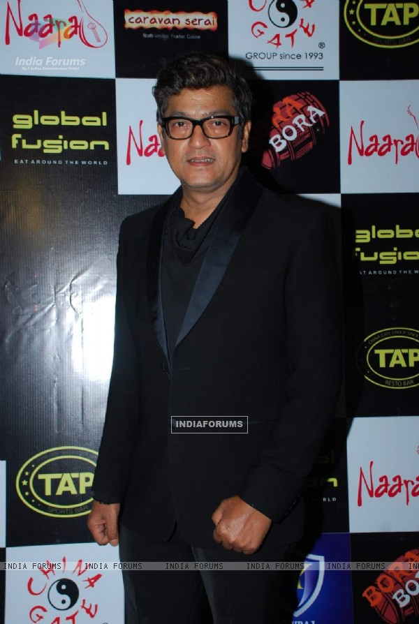 Aadesh Shrivastava poses for the media at Ankit Tiwari's Birthday Bash
