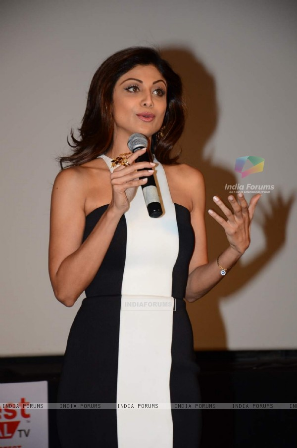 Shilpa Shetty interacts with the audience at the Launch of her New Home Shop Venture