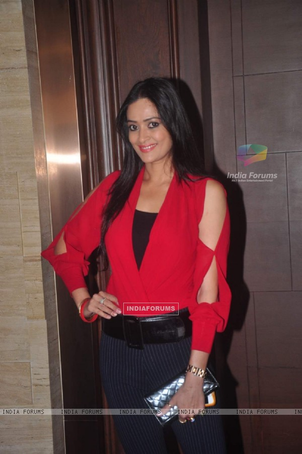 Jaswir Kaur poses for the media at GR8 Beti Bash